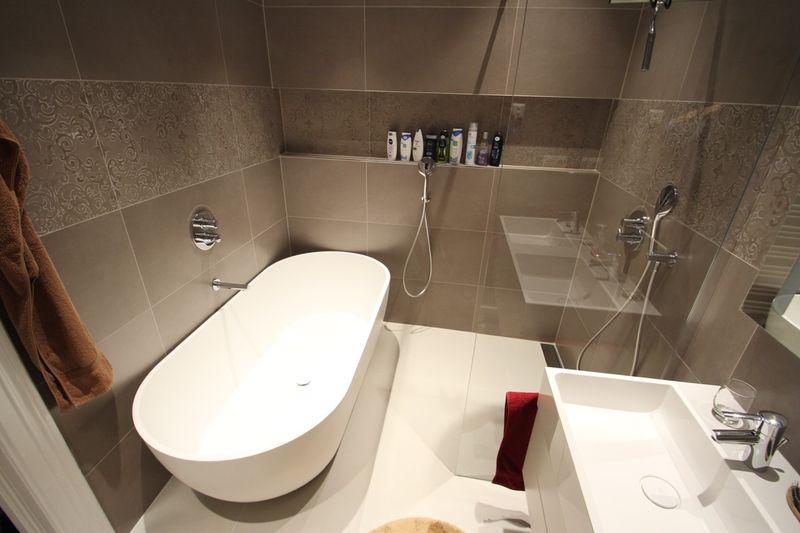Mit Etwas Kreativität Und Ein Paar Simplen Tricks Wirkt Ein Kleines  Badezimmer Plötzlich Viel Größer. Gerade Im Hinblick Auf Die Zukunft Macht  Eine ...